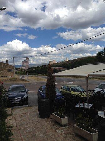 Restaurante San Pedro Abanto: Desde la Entrada