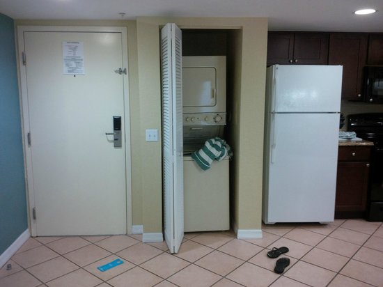 Wyndham Palm-Aire: Washer and dryer in unit
