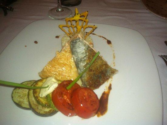 Ocean Maya Royale: Blue Moon... salmon dinner... DELICIOUS