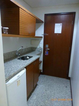 Comfort Suites Brasília: Cozinha apt. 214