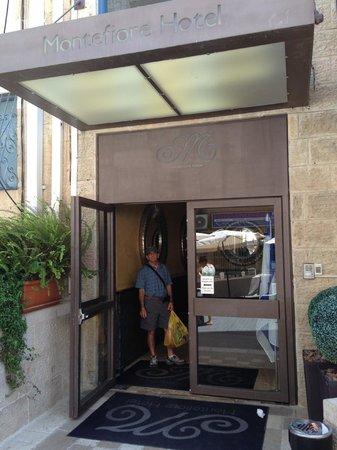 Montefiore Hotel: Hotel entrance