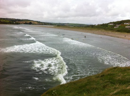 Inchydoney Beach: Safe bathing and surfing
