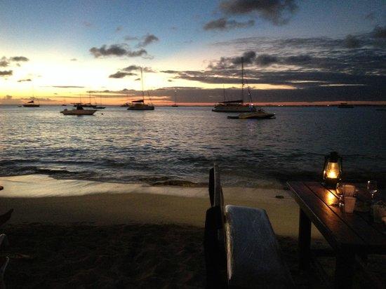 Calmos Cafe: Coucher de soleil au CALMOS