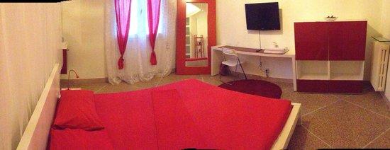 camera con doccia e lavandino in camera picture of On centro convenienza arredi palermo