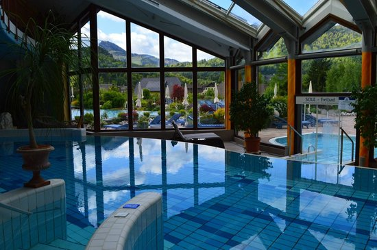 Hotel Ebner's Waldhof am See: Pool temperatures are perfect