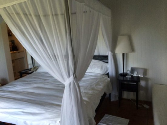 COMO Parrot Cay, Turks and Caicos: Canopy Bed
