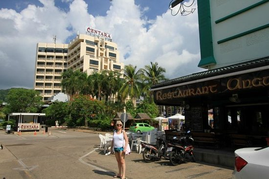 Centara Karon Resort Phuket: hotel & angus otools bar