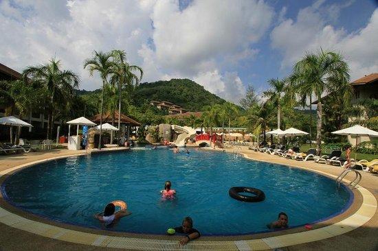 Centara Karon Resort Phuket: poolarea