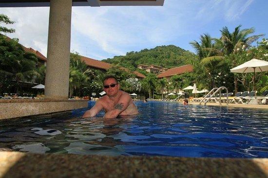Centara Karon Resort Phuket: hotel pool