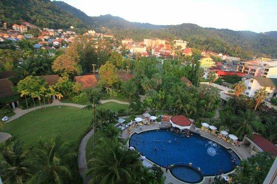Centara Karon Resort Phuket: pool area