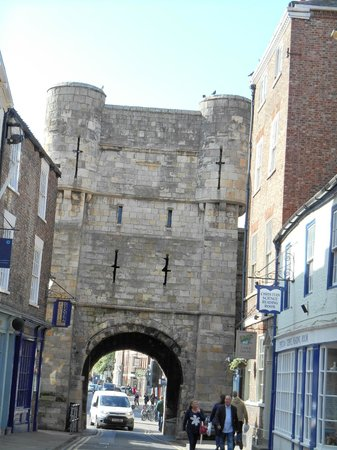 Mur d'enceinte : Another Gate of the York Wall