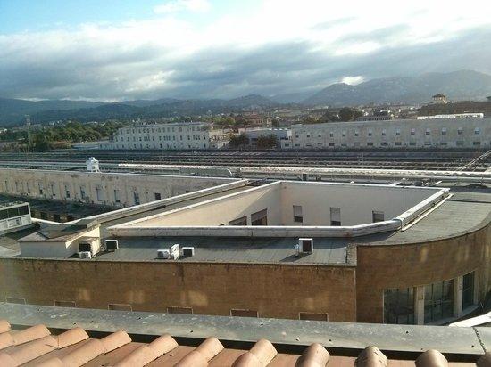 Hotel Ambasciatori: vista sulla stazione ferroviaria