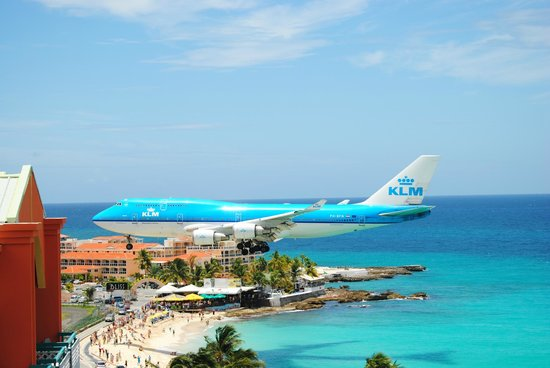 Sonesta Maho Beach Resort Spa Klm 747 Landing Over