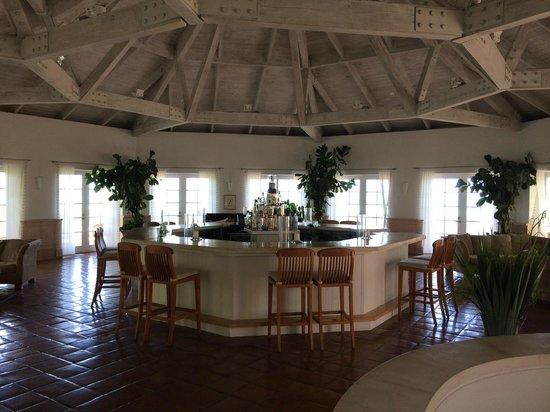 COMO Parrot Cay, Turks and Caicos: Upstairs Bar Area