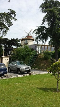 Le Moulin d'Orgemont: Vue depuis la terrasse inférieure. Panorama superbe sur Paris