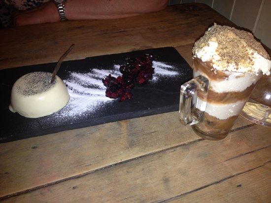 The Chetnole Inn : 2 great desserts