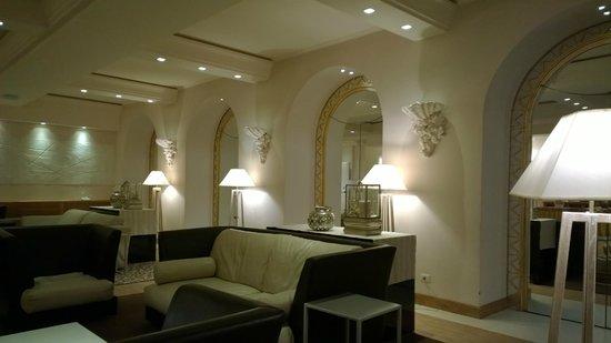 Hotel Corallo: Parte della hall