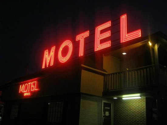 Warfield, VA: Love the Neon