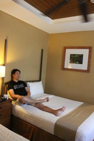 Crown Regency Prince Resort: family room