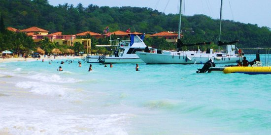 Infinity Bay Spa and Beach Resort: View from ocean