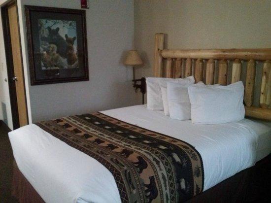 Kelly Inn West Yellowstone: Cama muito confortável!