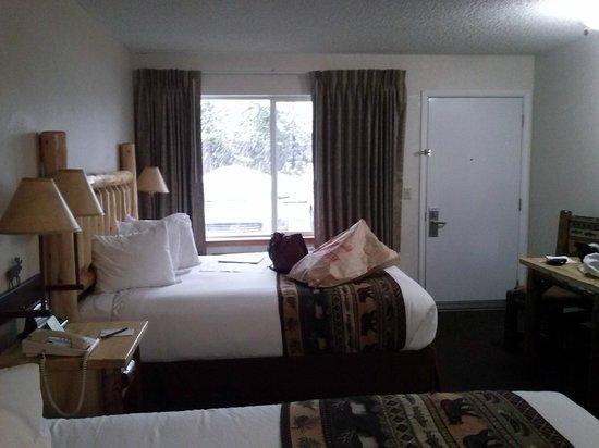 Kelly Inn West Yellowstone: Quarto espaçoso e confortável