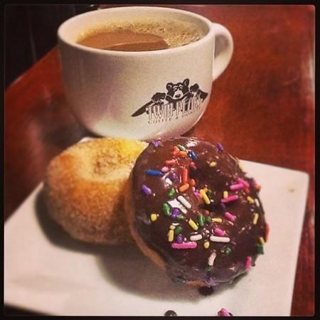 Twin Peaks Coffee & Donuts : twin peaks