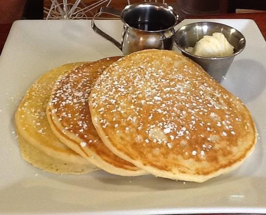 Twin Peaks Coffee & Donuts: fantastic pancakes too!