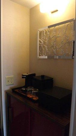 Renaissance Washington, DC Downtown Hotel : Espaço Minibar