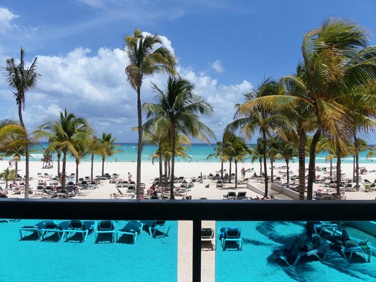 Hotel Riu Yucatan: view from lunch area / steakhouse restaurant