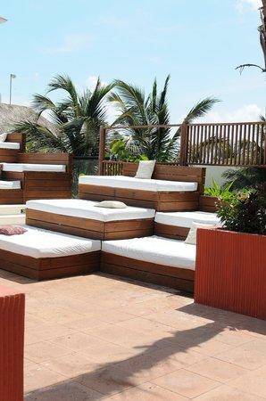 Grand Oasis Sens: sun/ day beds