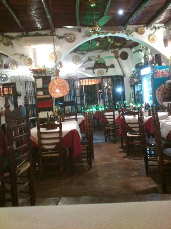 los Arcos: Interior del Local