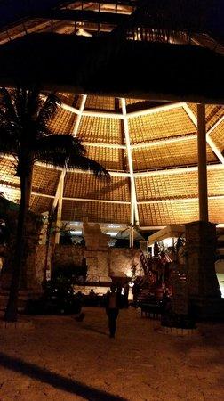 Grand Park Royal Cozumel : Lobbby de Noche