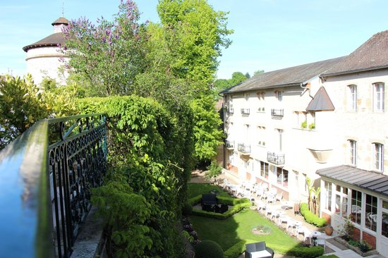 Logis Grand Hotel Montespan Talleyrand : vue sur jardin
