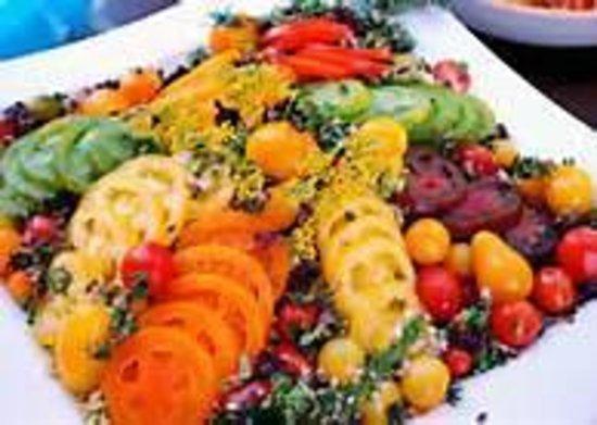 Flying Canoe West Coast Pub : Tomato Salad