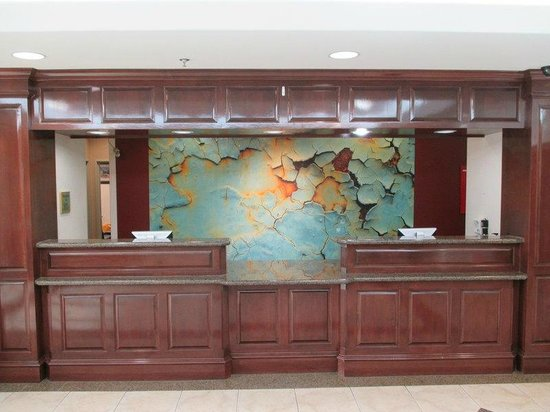Best Western Plus Waxahachie Inn & Suites: Front Desk