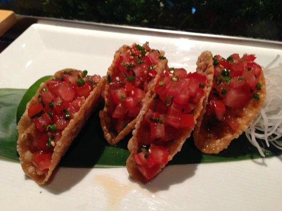 Nobu: Sashimi tuna tacos