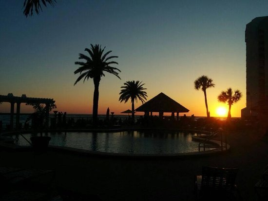 Holiday Inn Hotel & Suites Clearwater Beach: Sunset from restaurant/pool area.