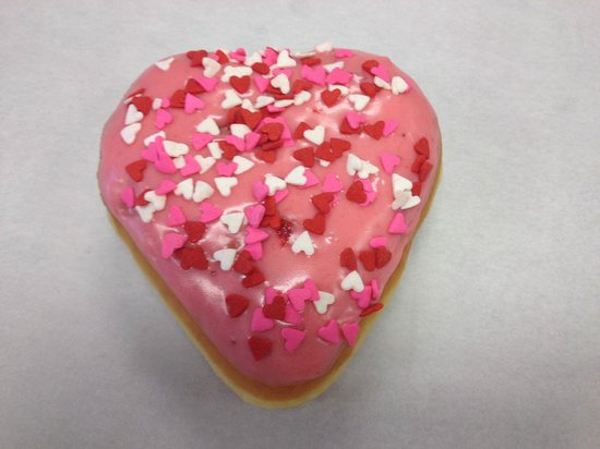 Daily Donuts : single heart shape