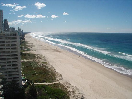 The Penthouses: Cavill Mall, the centre of Surfers Paradise is a 12 minute walk along the beach