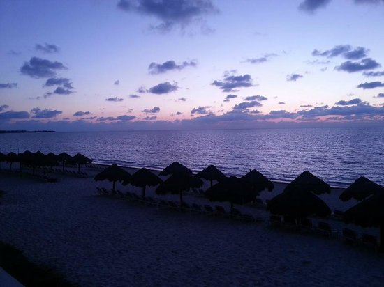 Now Sapphire Riviera Cancun: Sunrise view from our room