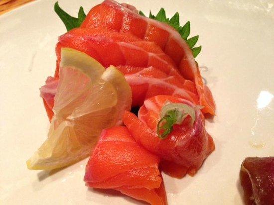Saiko Sushi: saikou salmon sashimi