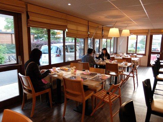 Kyriad Tours Sud - Chambray Les Tours : ブリット ホテル トゥール シュッド ・・・朝食風景