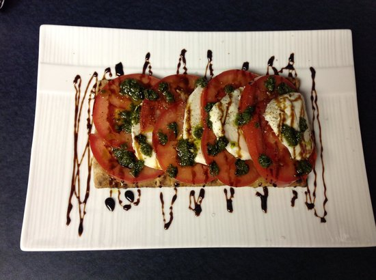 Lunch Bowl Cafe: grilled flatbread w/ caprese salad,balsamic & basil