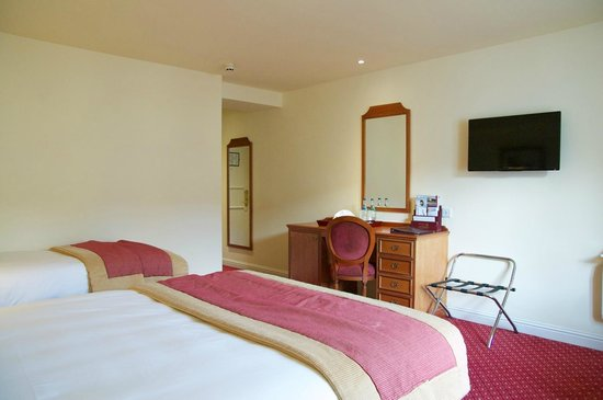 Galway Bay Hotel : Room, other angle