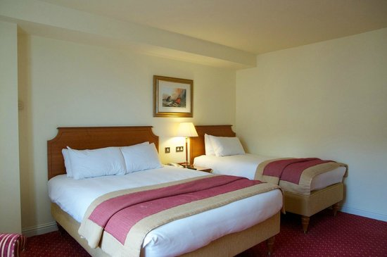 Galway Bay Hotel : one more of the beds