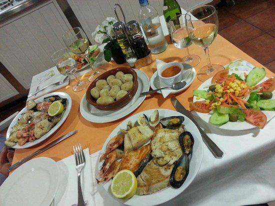 Apartamentos Las Faluas: Una sera a cena al ristorante di Las Faluas