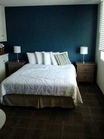 Pacific View Inn: Room #12 - so cute!