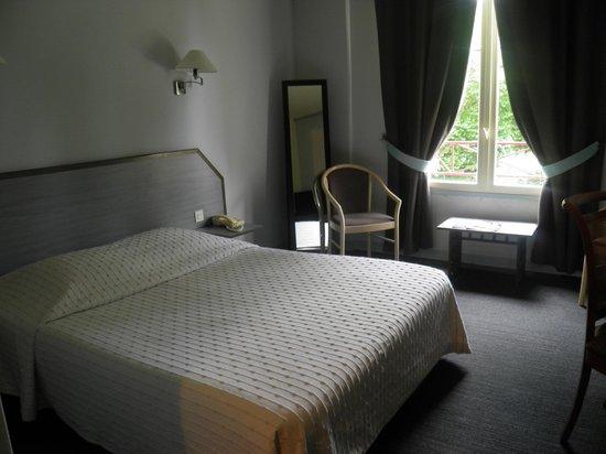 Auberge Saint Thegonnec : le lit
