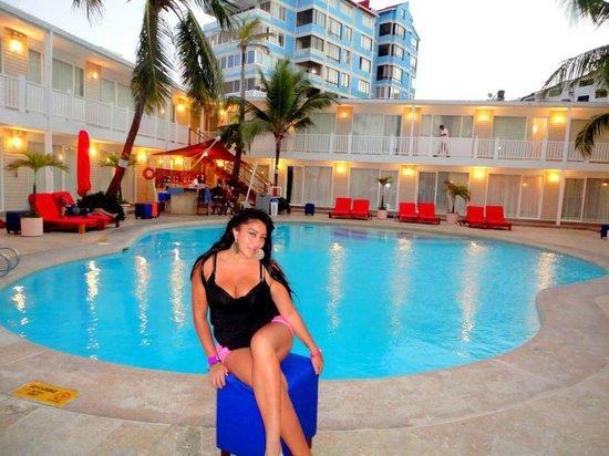 Decameron Los Delfines: la piscina increible